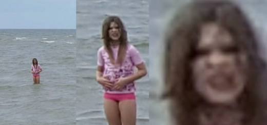 Vacation Photo Reveals Demonic Girl In Water