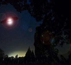Stragglers Spectate Spaceship In South Carolina