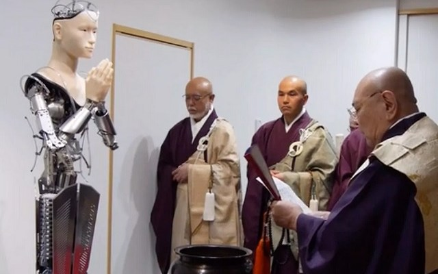 Japanese Robot Now Being Worshiped As God