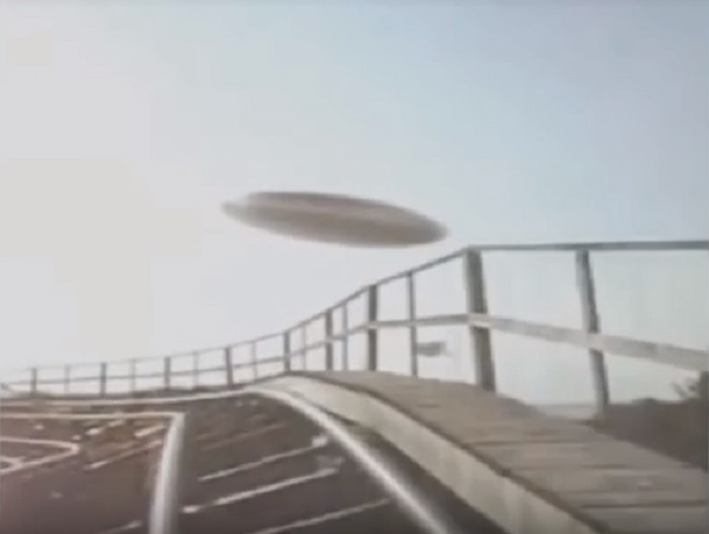People Riding Roller Coaster Capture UFO On Camera