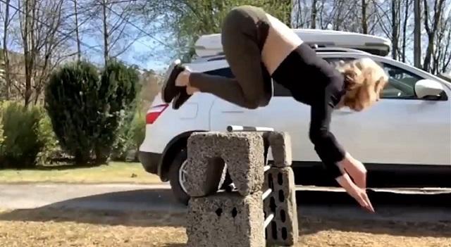 Ayla Kirstine horse jumper
