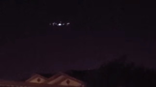 Californian-Records-Large-UFO-Hovering-Over-Menifee