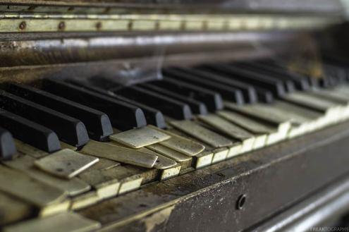 Piano in abandoned ontario church