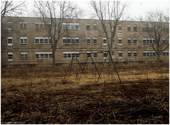 Abandoned Psychiatric Hospital Freaktography