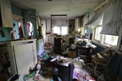Abandoned Antique House (20)