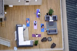 rooftopping people yoga