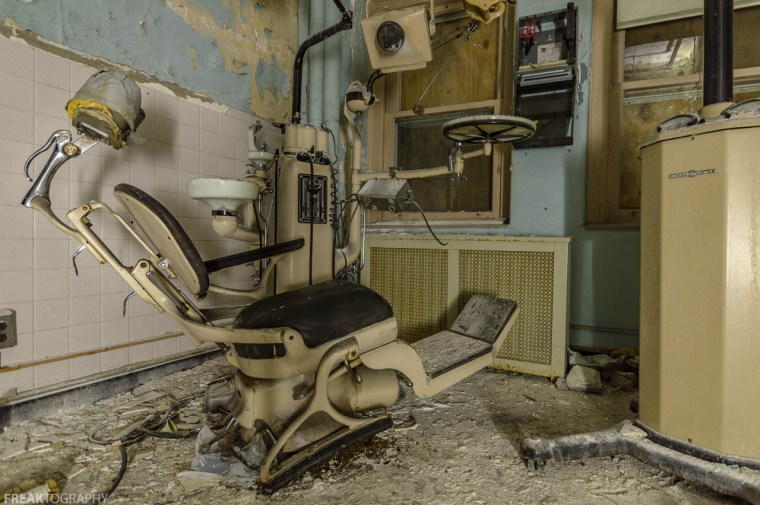 Abandoned Dentists Office, abandoned, abandoned photography, abandoned places, creepy, decay, derelict, Freaktography, haunted, haunted places, photography, urban exploration, urban exploration photography, urban explorer, urban exploring
