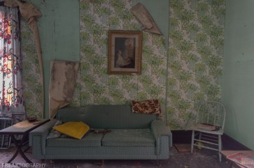 Freaktography, abandoned, abandoned photography, abandoned places, couch, creepy, decay, derelict, green, green couch, haunted, haunted places, photography, urban exploration, urban exploration photography, urban explorer, urban exploring, wallpaper
