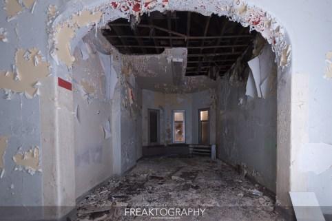 Abandoned Century Manor Hamilton Ontario-6.jpg
