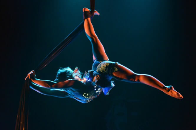 Lunamaud - Artiste de cirque aérienne - Artiste de cirque, artiste aérienne et voltigeuse | Lunamaud est artiste de cirque, artiste aérienne et voltigeuse