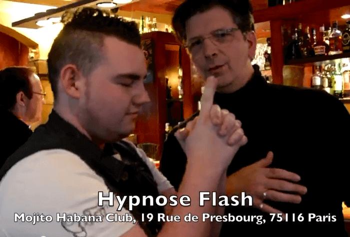 Hypnose flash au Mojito Habana Club avec Fred Ericksen - magicien alternatif