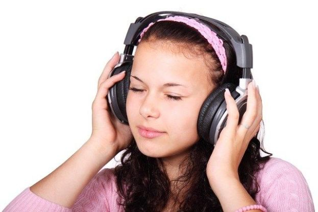img c/o sensitivity to sound