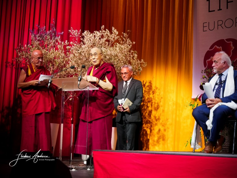 Daila Lama during the conference in Brussels. For this conference in Palais 12 there was 12.000 people. The Tibetan spiritual leader is visiting Belgium for several days including a conference specifically focus on four themes namely: the political situation in Tibet, human rights, environment and spirit opening to the Chinese people. Brussels, 11 September 2016, Belgium © F.Andrieu/Agencepeps