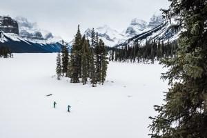 Cross country skiing in Jasper National Park