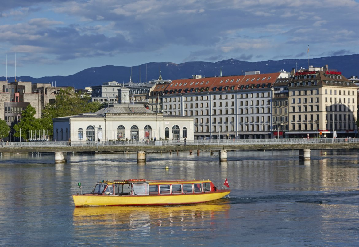 geneva-taxi-boat-allan-baxter-getty-images-ce82f013263d