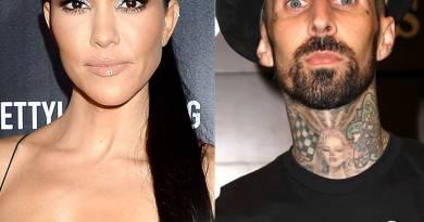 Kourtney Kardashian e Travis Barker si rilassano a casa di Kris Jenner