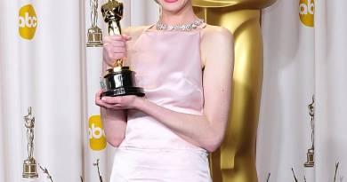 """Perché Anne Hathaway si sente """"potenziata"""" dopo che Internet è accesa"""