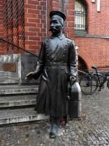 Berlínské dobrodružství: Hejtman z Kopníku