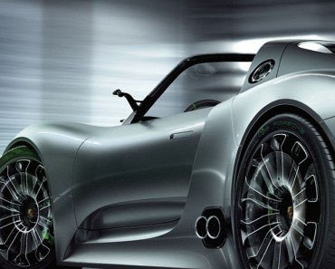 Porsche 918 Spyder Back View