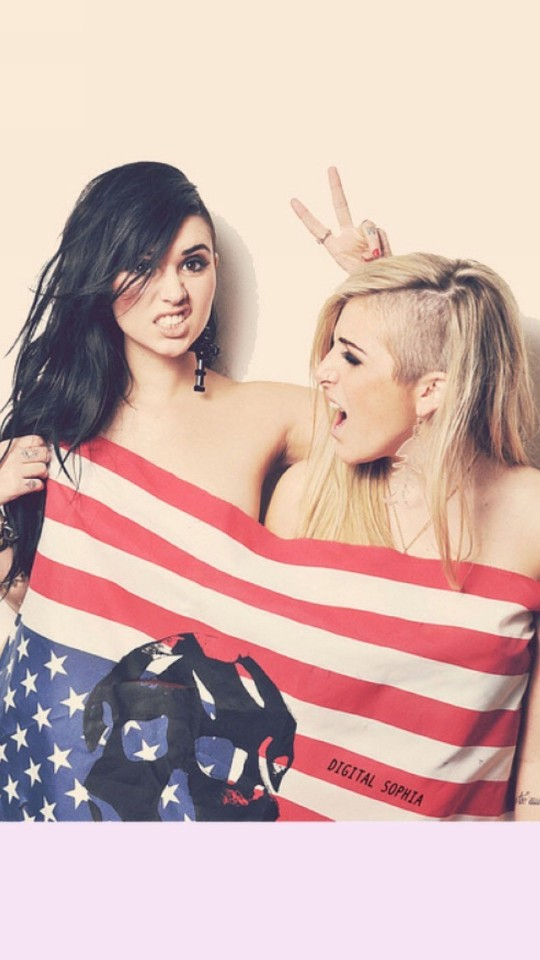 Cute Girls with American Flag Wallpaper  Free iPhone Wallpapers