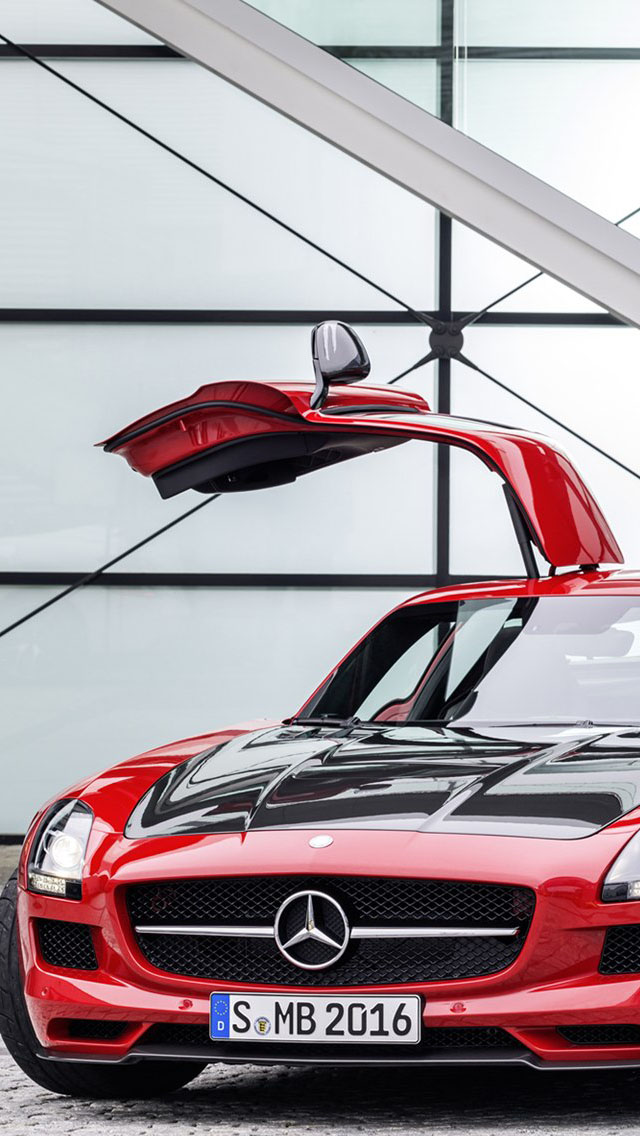 Superior Mercedes Benz SLS AMG Red
