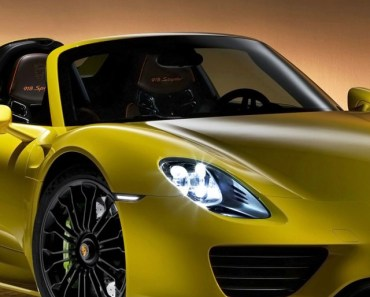 2014 Porsche 918 Spyder Yellow