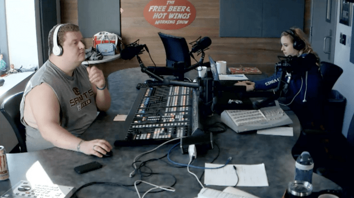 Free Beer and Hot Wings Webcam Feed Friday, March 22, 2019