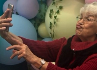 'Selfie School' Gets The Elderly To Step Up Their Social Media Game