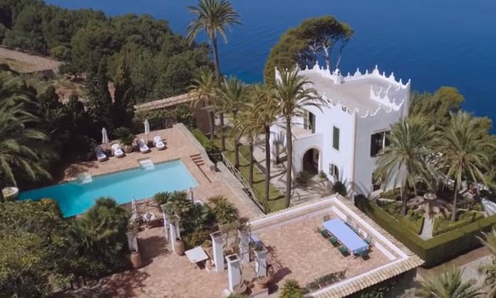 Michael Douglas Hilariously Narrates His Own Real Estate Ad