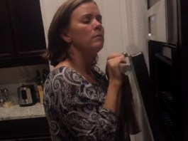 Orlando Woman Goes Viral For Squeaky-Oven Video