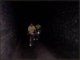 U tunelu