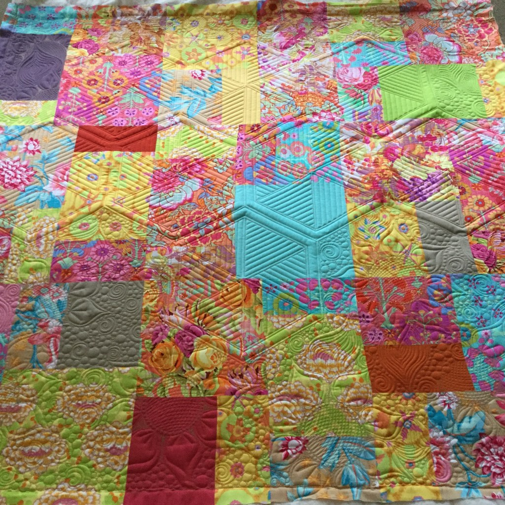 Hexagons And Sunflowers Quilt Free Bird Quilting Designs
