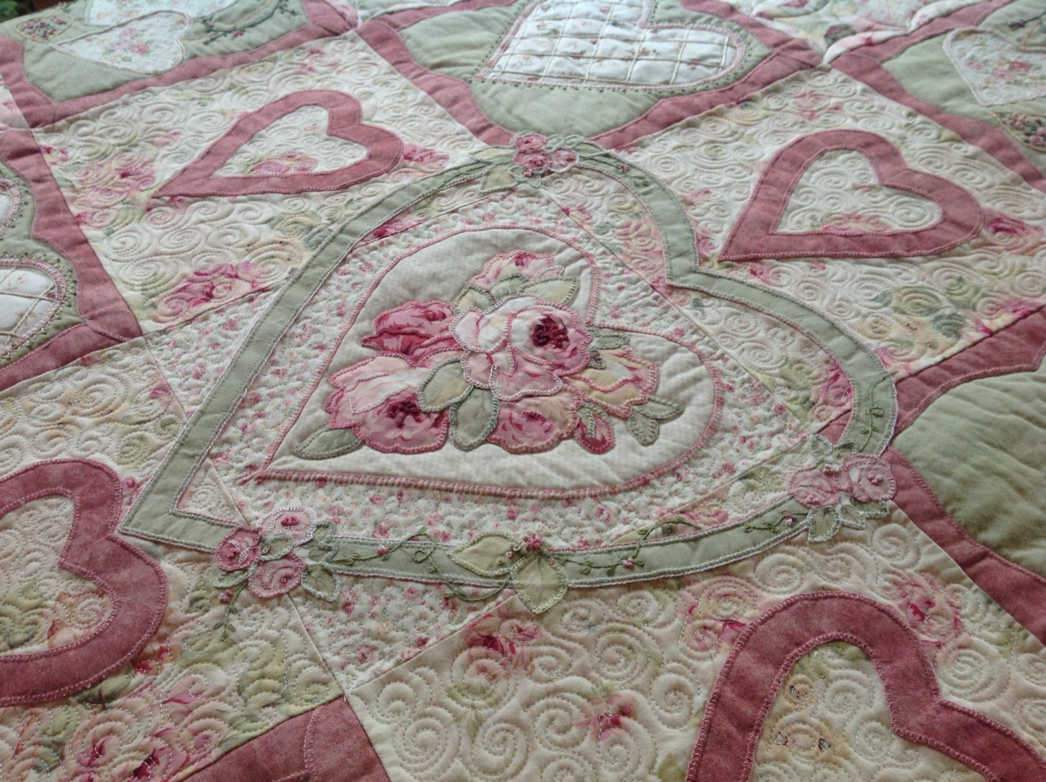 Sweet heart applique custom quilt u2013 free bird quilting designs