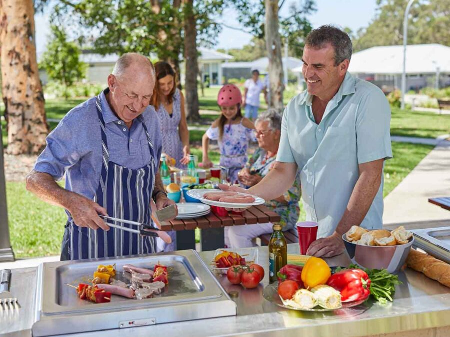 Aveo Corporate_Lifestyle_Family having BBQ_laughing _external_med res_171218_1200x900