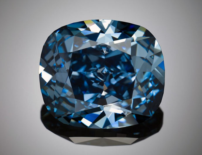 16-02-blue-moon-diamond-josephine-lau