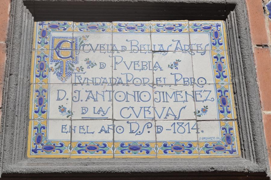Luis-G-Cordova_Uriarte-display-free-typeface_110517_prev02
