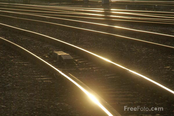 Picture of Railway Tracks - Free Pictures - FreeFoto.com