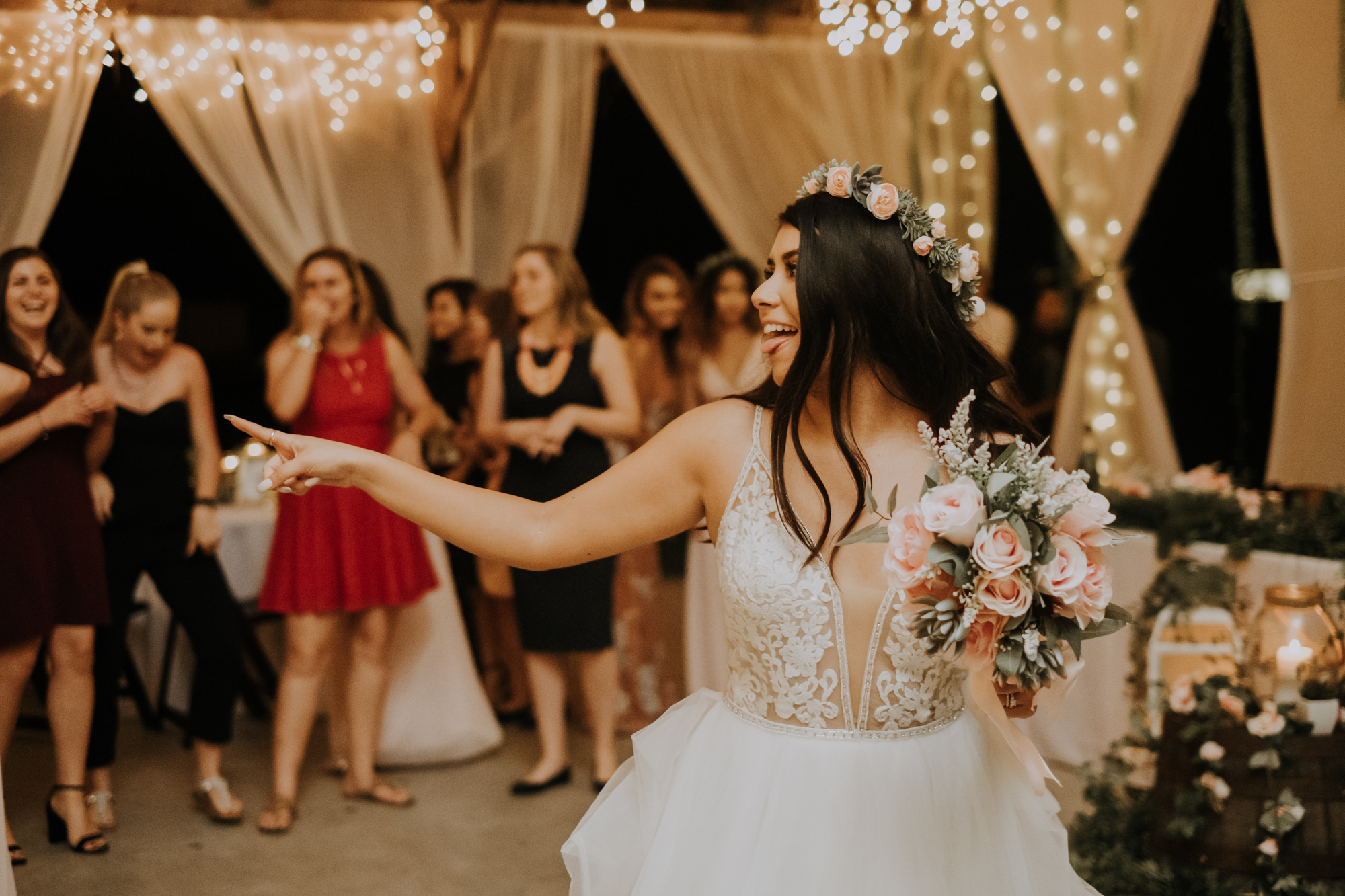bouquet toss | boho bouquet toss | boho wedding reception