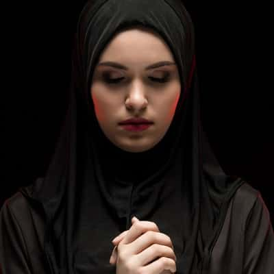 Stylish-Muslim-Girl-Dp-For-Fb-Profile (31)