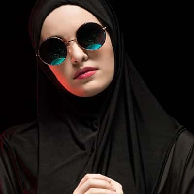 Stylish-Muslim-Girl-Dp-For-Fb-Profile