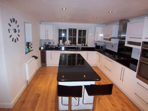 NuFit Wokingham Kitchen Fitter FreeIndex