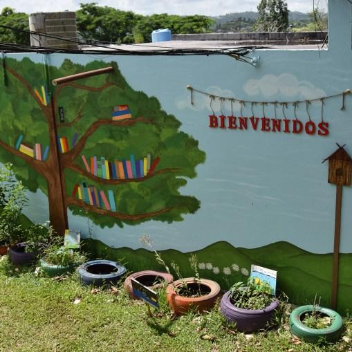 Bienvenidos wall 2400px