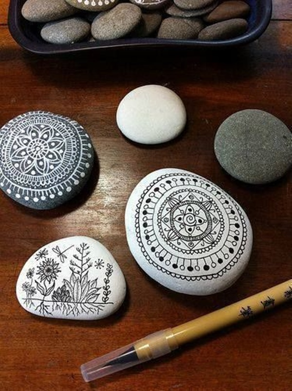 10 Creative DIY Home Decor Ideas With Pebbles And River Rocks on Rock Decorating Ideas  id=61345