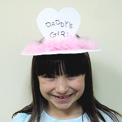 Image of Paper Plate Daddys Girl Crown