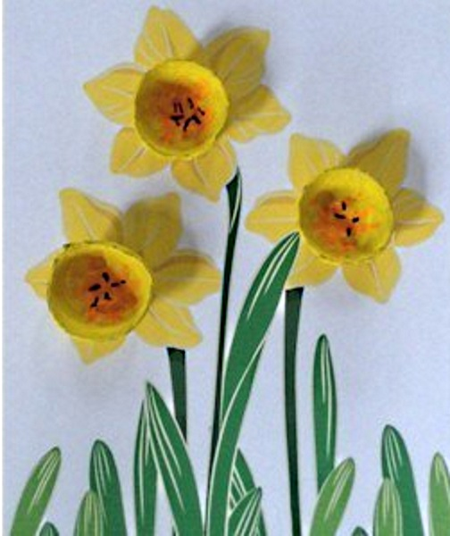 Easy Egg Carton Daffodil 3-D Picture