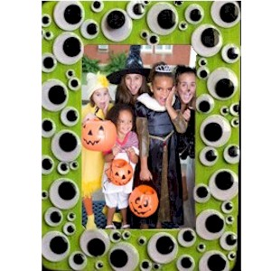 Image of Make A Halloween Wiggle Eye Photo Frame