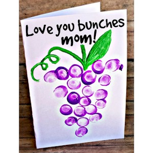 Image of Moms Love You Bunches Card