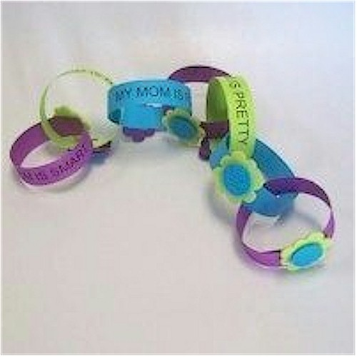 Paper Chain for Mother's Day that young children can make