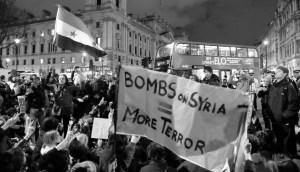 Parliament Square sit-in against Syria airstrikes, foto: Alisda Hickson