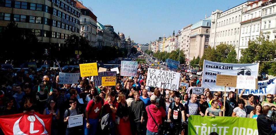 Prouprchlická demonstrace v Praze / Itsyoungrapper